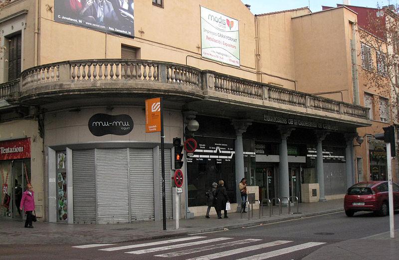 800px-005_Estació_FGC,_c._Alfons_XIII_(Sabadell)